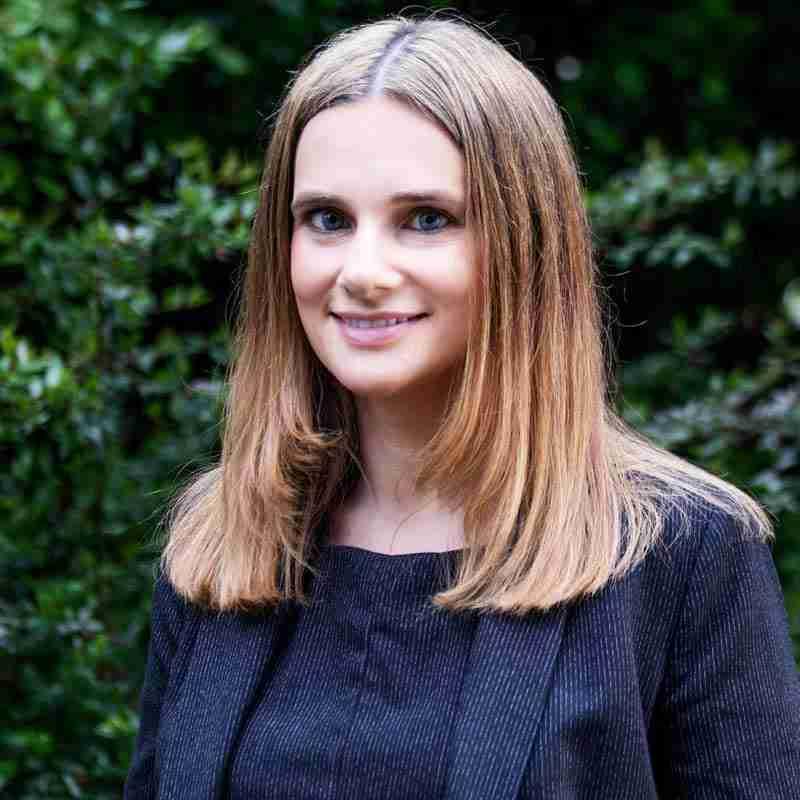 Emma-Middleton,--Associate,-Commercial-Property
